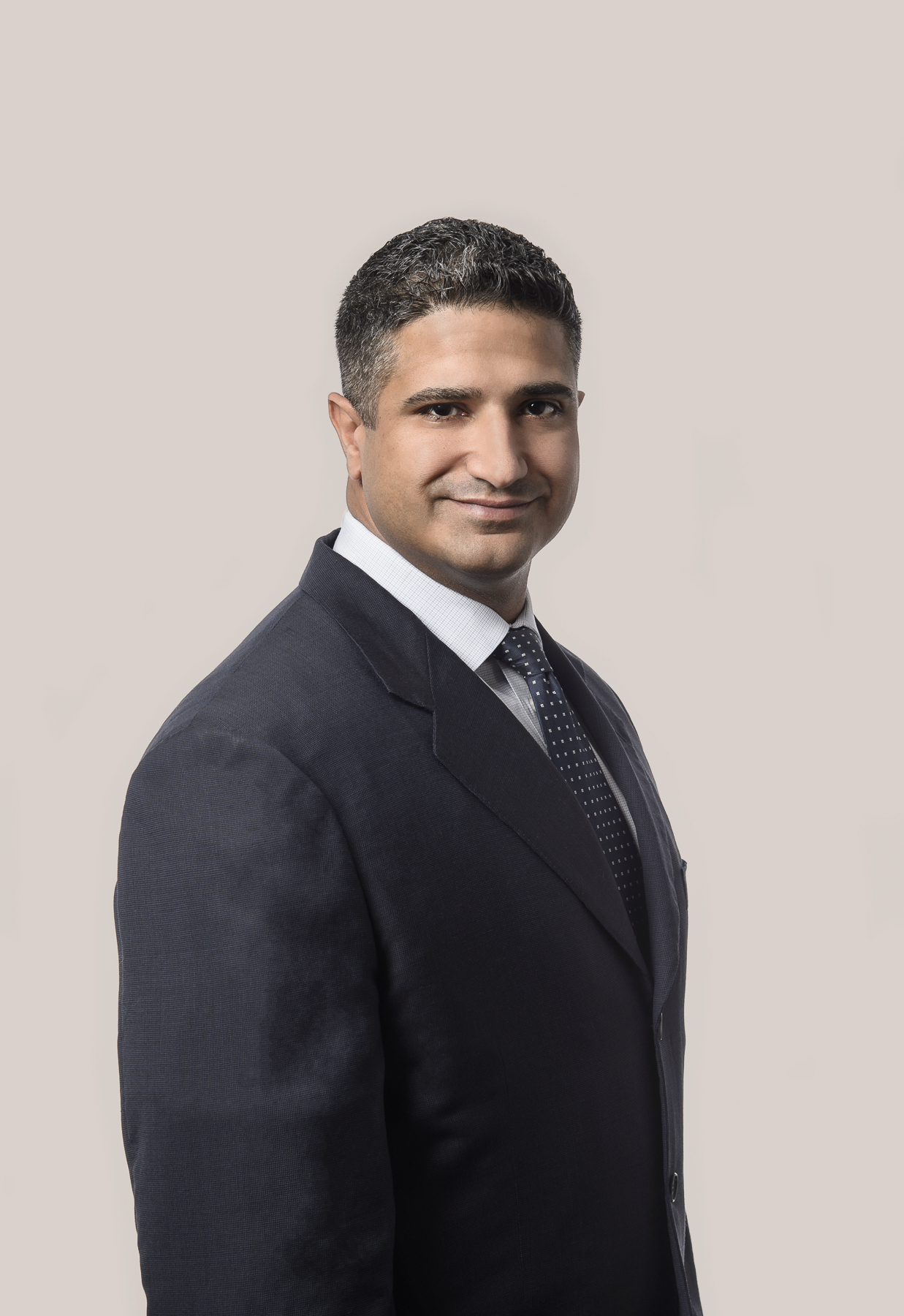 Randal Dhaliwal, corporate commercial and real estate lawyer in Surrey, BC