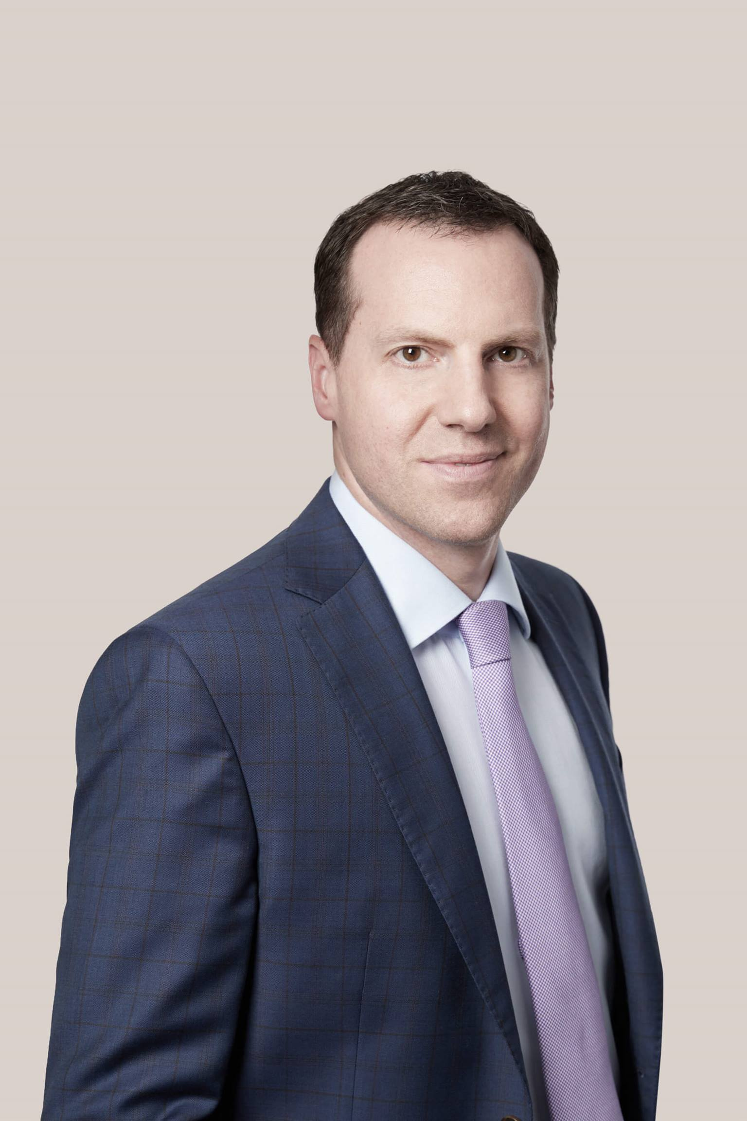 Alex Nikolic Toronto Lawyer