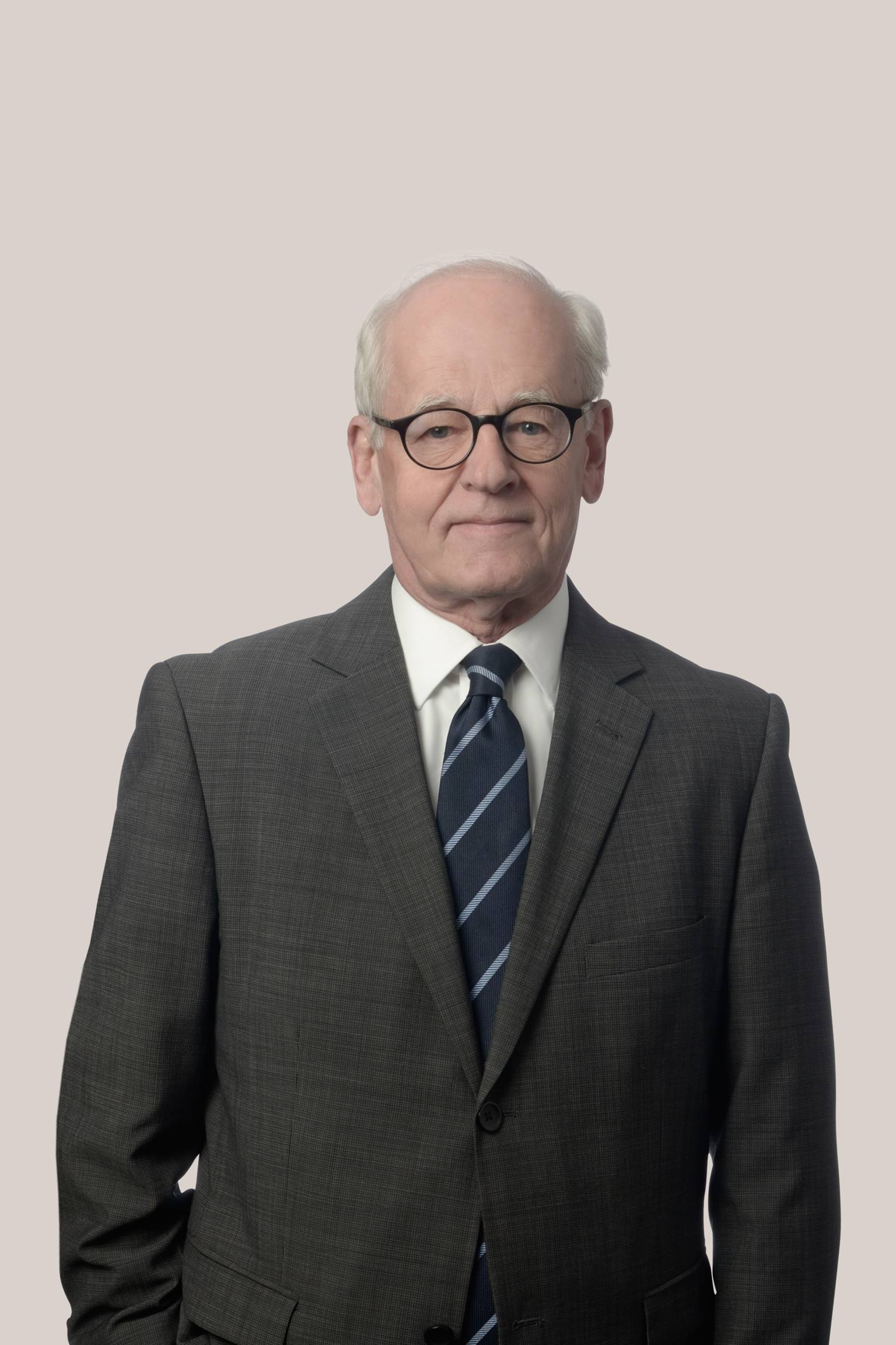 Robert Chapman Ottawa Lawyer