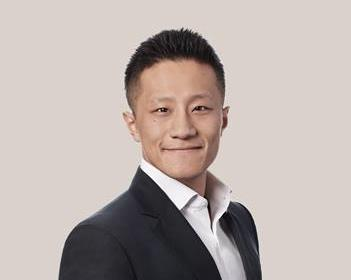 Dawei Ding | Corporate/Commercial Lawyer in Montréal